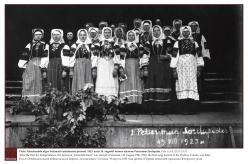 1923 - Pärast Vabadussõda algas Setomaal eestistamise periood. 1923. aasta 19. augustil toimus esimene Petserimaa laulupidu.  Foto: EAA.2113.1.15.31