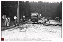 1994 - Pärast Eesti taasiseseisvumist 1991. aastal tekkis keset Setomaad piir kahe riigi vahel. Koidula piiripunkt 1994. aastal.  Foto: EFA.204.P.0-173710, Toomas Volmer