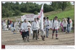 2009 - Seto Kuningriigi traditsioon sai alguse 1994. aastal. 2009. aastal peeti kuningriik Luhamaa nulgas Määsi mäel. Sõjaväeparaad on päeva üks vaatemängulisemaist osadest.  Foto: Tõnu Noorits