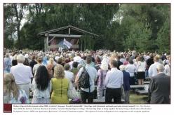 """2013 - Radaja (Sigovo) külas toimub alates 2008. aastast festival """"Setomaa. Perride kokkotulõk"""". Seto lipp aitab ühendada mõlemal pool piiri elavaid setosid.  Foto: Ahto Raudoja"""