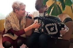 Evelin oppas pillimängu. 07.12.2017. Piret Torm-Kriisi foto