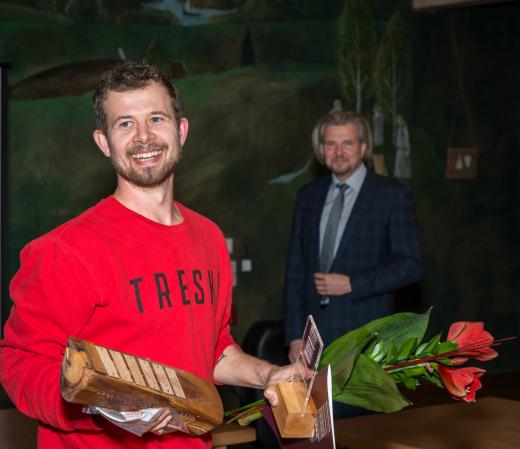 Setomaa aasta ettevõtja tiitli pälvis Jalmar Vabarna ettevõte Folk Massidesse